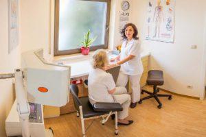 Blutentnahme- und Wärmebehandlungszimmer